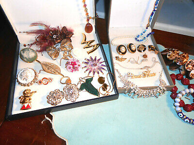 Job Lot Mixed Vintage Jewellery Inc Brooches Earrings N/laces • 7.50£