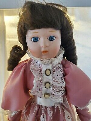 $ CDN5.10 • Buy Heritage Mint Collection Porcelain Doll - 1988 - 1989 With Stand