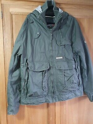 Duck And Cover Jacket Size Large • 8.99£