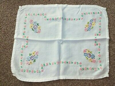 Vintage Dressing Table Mat With Embroidery  • 2£