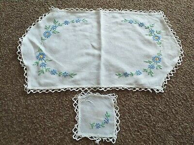 Vintage Dressing Table Mats With Floral Embroidery  • 3£