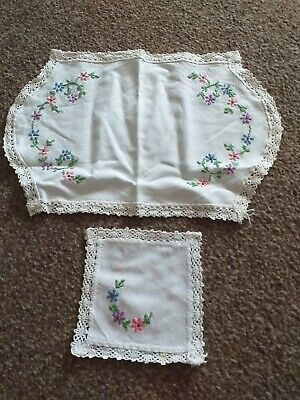 Vintage Dressing Table Mats With Floral Embroidery  • 2£