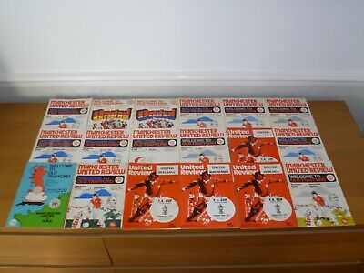 1976/77***19  Out Of 32  Manchester United Programmes • 10£