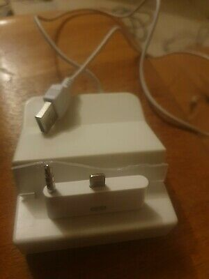 I Phone Ipod USB Charging Dock - Plastic Snapped But Works  • 2.32£