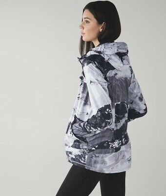 $ CDN60 • Buy Lululemon Miss Misty Ll Jacket Black And White Size 10 Packable  Reflective