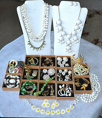 $ CDN124.97 • Buy Vintage Jewelry Lot, Rhinestone Brooch, Signed, Sets, Coro~juliana~bakelite~jade