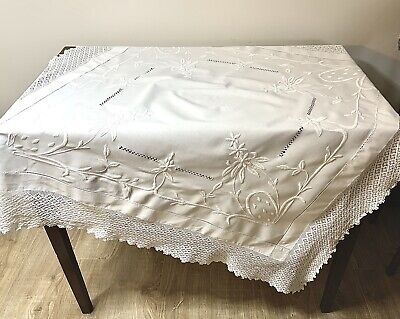 """Vintage White Cotton Tablecloth With Whitework Embroidery 4"""" Crochet Edge SR990 • 33£"""