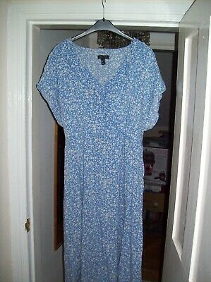 NEW LOOK BLue Ditsy Floral Midi Dress Size 18 • 5£