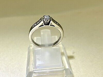 £450 • Buy 18ct White Gold Diamond Engagement Ring Size L
