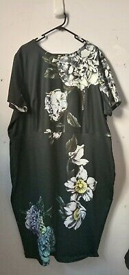 AU25 • Buy Asos Curve Size 22 Us Floral Fitted Dress