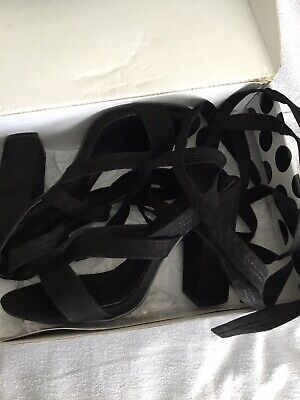 £2 • Buy Size 5 Boo Hoo Ankle Tie Sandals
