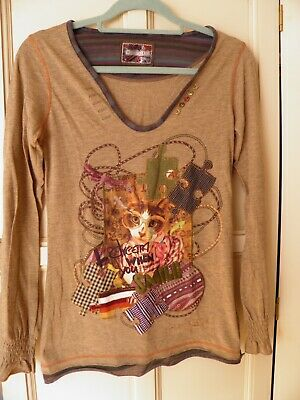 £5 • Buy Desigual Top. Size Small