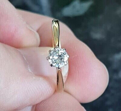£499 • Buy A Beautiful Ladies 18ct Gold Diamond Solitaire Ring