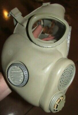 $44.99 • Buy Military Surplus Czech M10 Gas Mask W/ 5 Sets Of Filters - #1