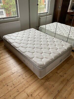 £450 • Buy A Brand New Sealy Posturepedic Double Mattress