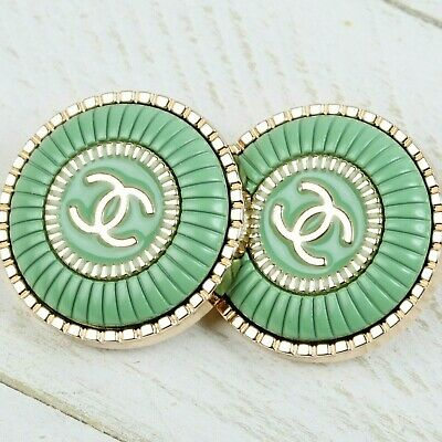 £16 • Buy Chanel Buttons CC 💚  Green 23 Mm Vintage Style Unstamped 2 Buttons AUTH!!