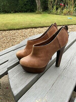 £2.40 • Buy Brown Ankle Boots Size 8