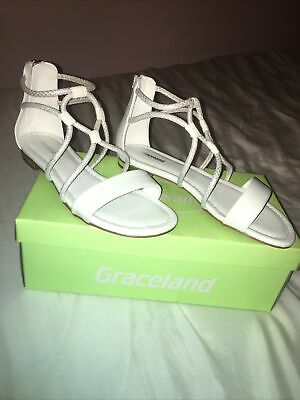£2 • Buy Womens Sandals Size 4.5