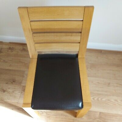 £275 • Buy Oak Dining Table Chairs