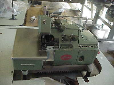 YAMATO 5 THREAD OVERLOCKER COMPLETE WITH STAND 230v • 495£