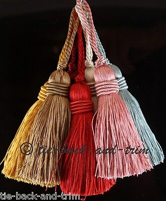 Silky Decorative Cushion Tassel - Can Be Attached To Key If Used With Split Ring • 2.80£