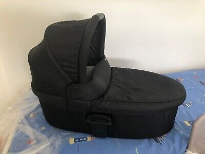£70 • Buy Mamas&Papas Sola2 Carrycot Black With Mattress And Rain Cover. Collection Only