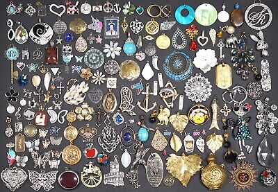 $ CDN86.08 • Buy Lot Of 160 Vintage Now Pendants Charms Fashion Costume Jewelry Estate #43