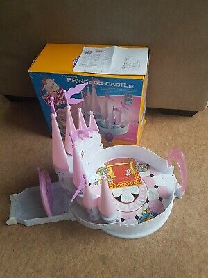 ZHU ZHU PRINCESS MAGICAL PRINCESS CASTLE With PRINCESS SNOWCUP HAMSTER  WITH BOX • 19.99£