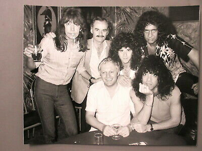 $18.99 • Buy KISS Original B/w 8X10 Photo All 4 Members Candid With Aucoin In Australia '80!