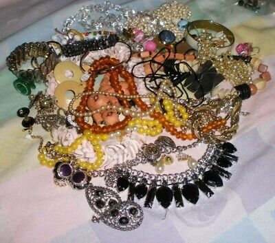 $ CDN33.95 • Buy Vintage Lot Of Fun Jewelry-all Wearable  -necklaces-earrings-2 Pounds  (5 )