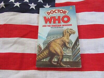 DOCTOR WHO And The Dinosaur Invasion  – CLASSIC TARGET Paper Back Book • 2.99£
