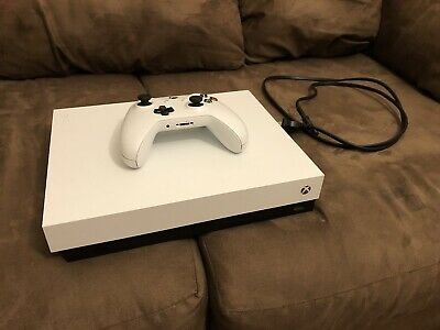 $300 • Buy Xbox One X 1tb Robot White Special Edition (Almost Brand New)