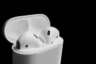 $ CDN114.64 • Buy Cheap Apple AirPods 2 A2032 With A High Quality Charging Case - White Color.