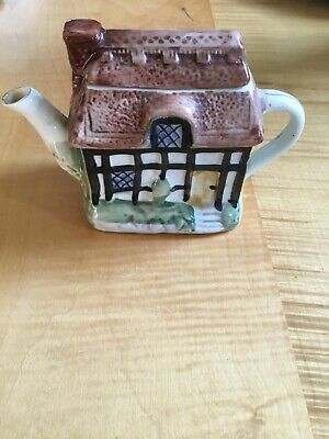 Collectable Cottage Tea  Pot (small) • 5.50£