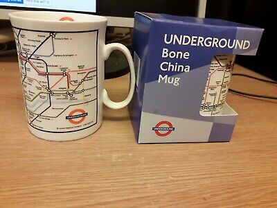 2 London Underground Mugs • 5£