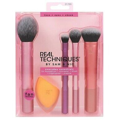 Real Techniques Everyday Essentials Makeup Brush Complete Face Set  • 26.99£