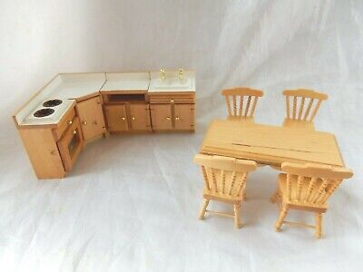 Classic Wooden Dolls House Kitchen Units And Furniture (1/16th Scale) • 14.99£