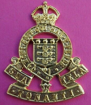 Royal Army Ordnance Corps <> 1919-47 <> Cap Badge <>  A  Brass  Re-strike • 4£