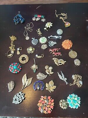 $ CDN8 • Buy LOT OF Vintage COSTUME JEWELRY BROOCHES & PINS