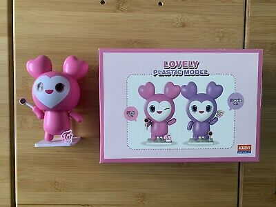 Twice Kpop Official Lovely Plastic Model Pink Version • 10.50£