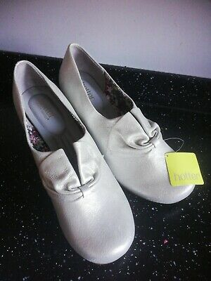 New Hotter Donna Ladies Leather Pewter Low Heel Court Shoes Size Uk 8 EU 42 • 39.99£