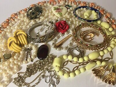 $ CDN120 • Buy VINTAGE Signed & Unsigned Jewelry Lot, All Wearable, Am Lee, Sarah, Napier, Coro
