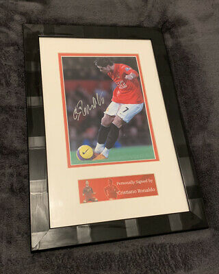 Cristiano Ronaldo Hand Signed Picture Framed • 55£