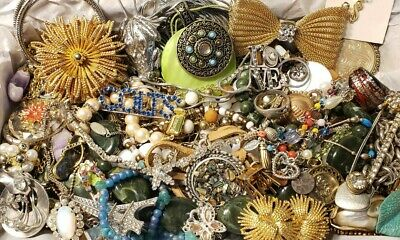 $ CDN20.72 • Buy Vtg Mod Jewelry Lot Rhinestone + Signed Capri Monet WHBM Lia Sophia Avenue