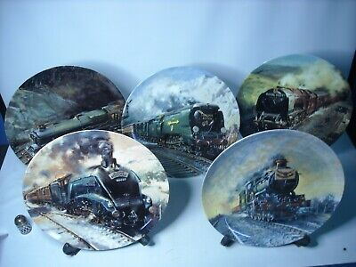 £12.95 • Buy Your Choice FAMOUS TRAINS Plates 10.75  Terence Cuneo Wedgwood Royal Mail Plate