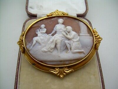 Antique Victorian Large Gold Cased Finely Carved Natural Shell Cameo Brooch. • 20£