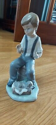 Nao, Lladro Figure Boy With Puppy • 6.50£