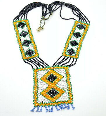 Vintage Native American Beaded Necklace. • 30£