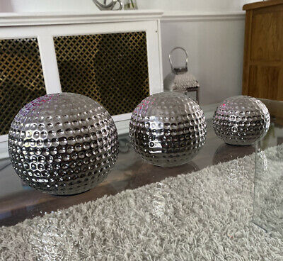 *NEW* Ceramic Ornaments Silver Spheres Dimpled Sculpture Set Of 3 Home Decor • 19.99£
