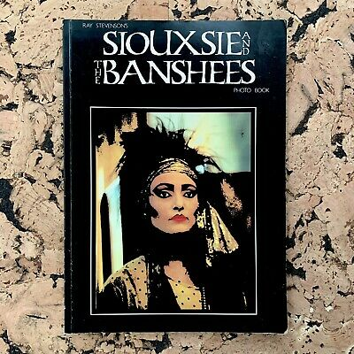 Siouxsie And The Banshees: Photo Book (1983 Ray Stevenson By Omnibus Press) • 65£